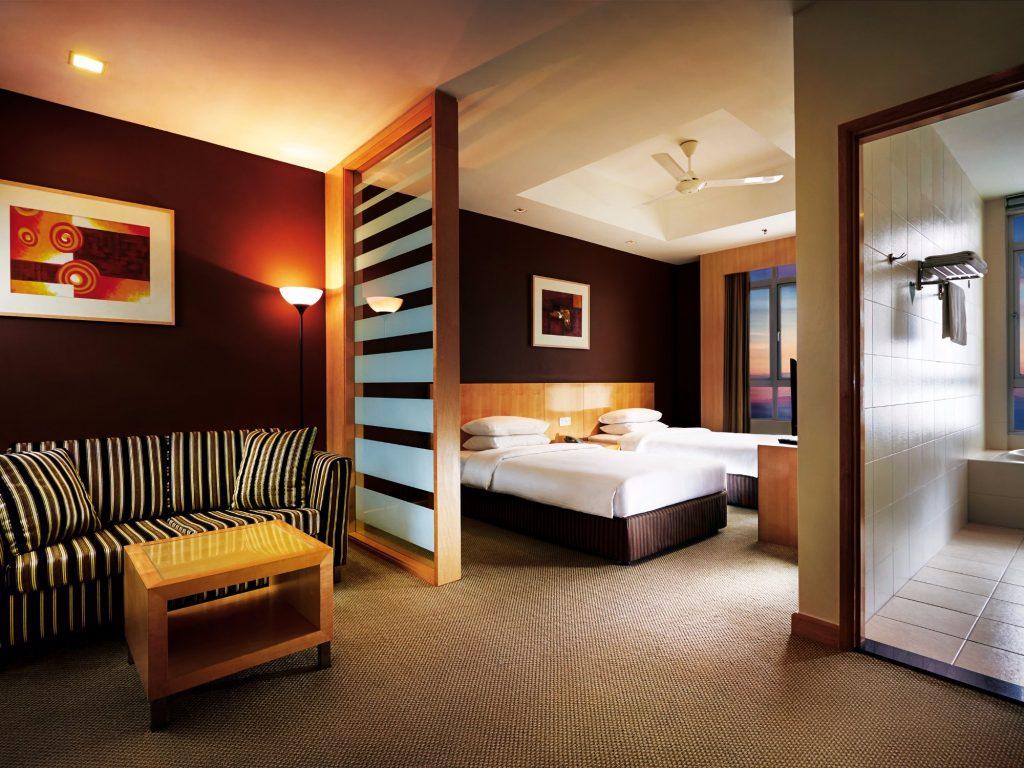 โรงแรมเฟิร์สเวิลด์ First World Hotel