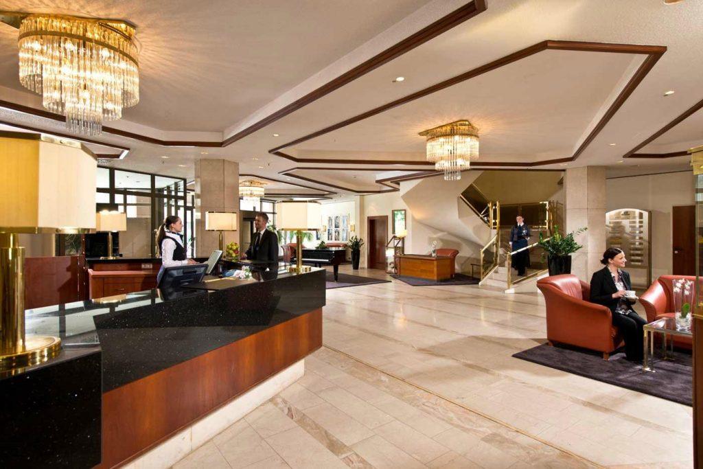 โรงแรมมาริทิม คูร์เฮาส์ Maritim Hotel Bad Homburg